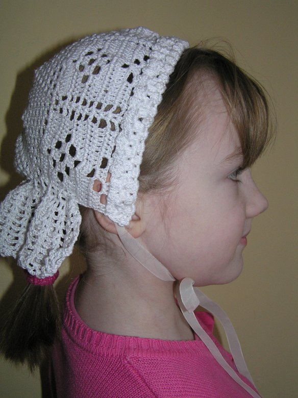 gehaakt mutsje/crochet bonnet